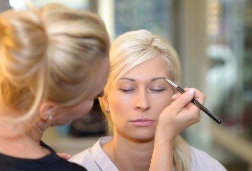 Doszkalający kurs makijażu